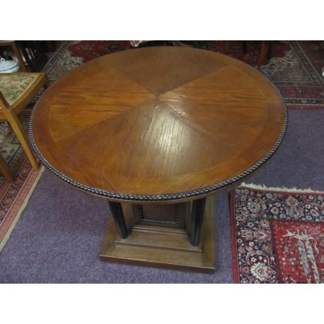 stůl kulatý