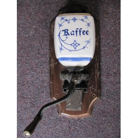 mlýnek na kávu nástěnný